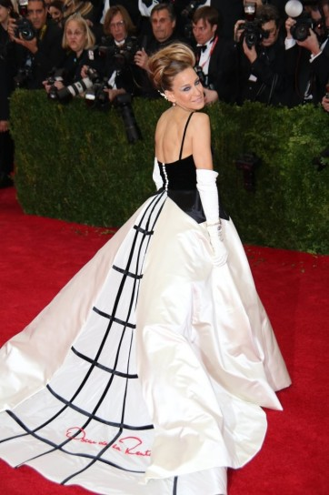 Sarah Jessica Parker in Oscar De La Renta at the Met Ball.