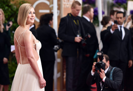 "Rosamund Pike from ""Gone Girl"" arriving at the Golden Globes 2015"